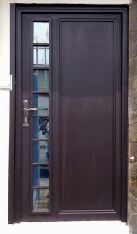 Heredianos com portones r sticos s a en la asunci n de for Puertas metalicas para interiores